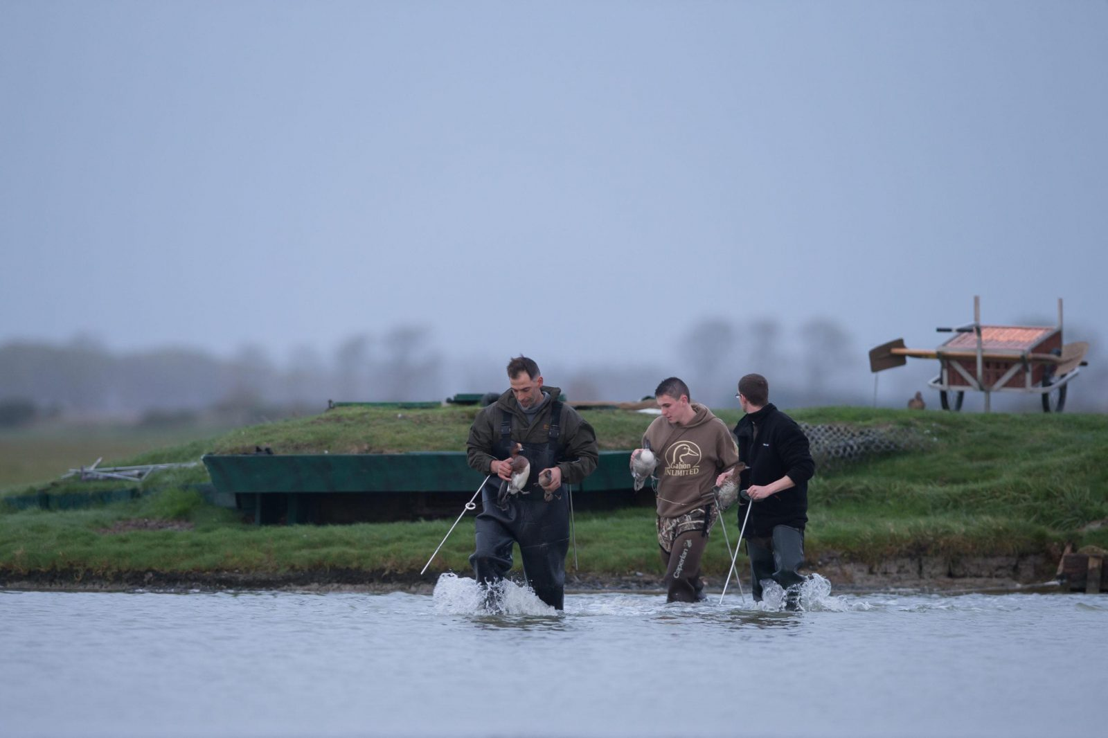 chasseurs étang chasse gibier d'eau