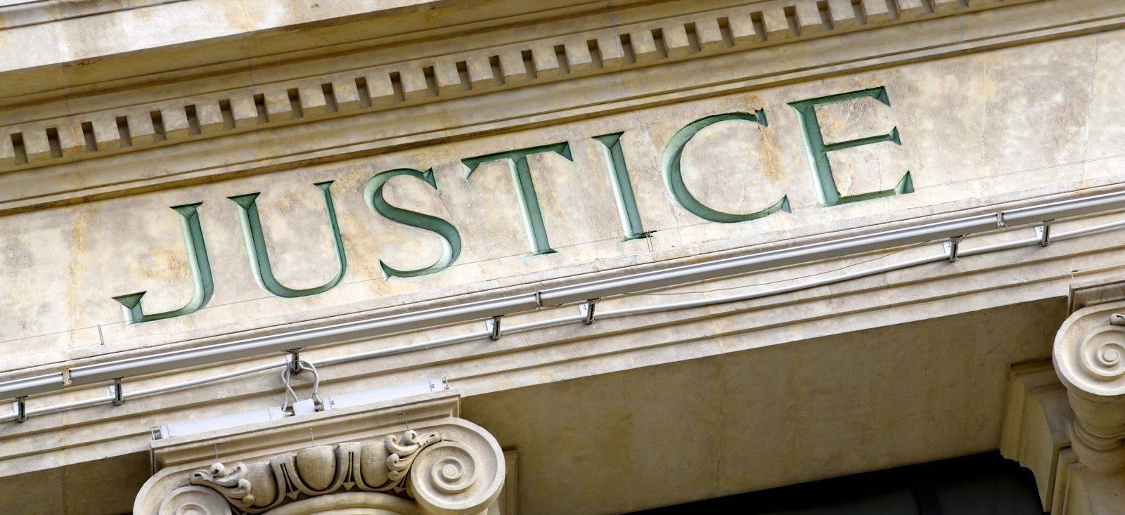 photo d'un palais de justice