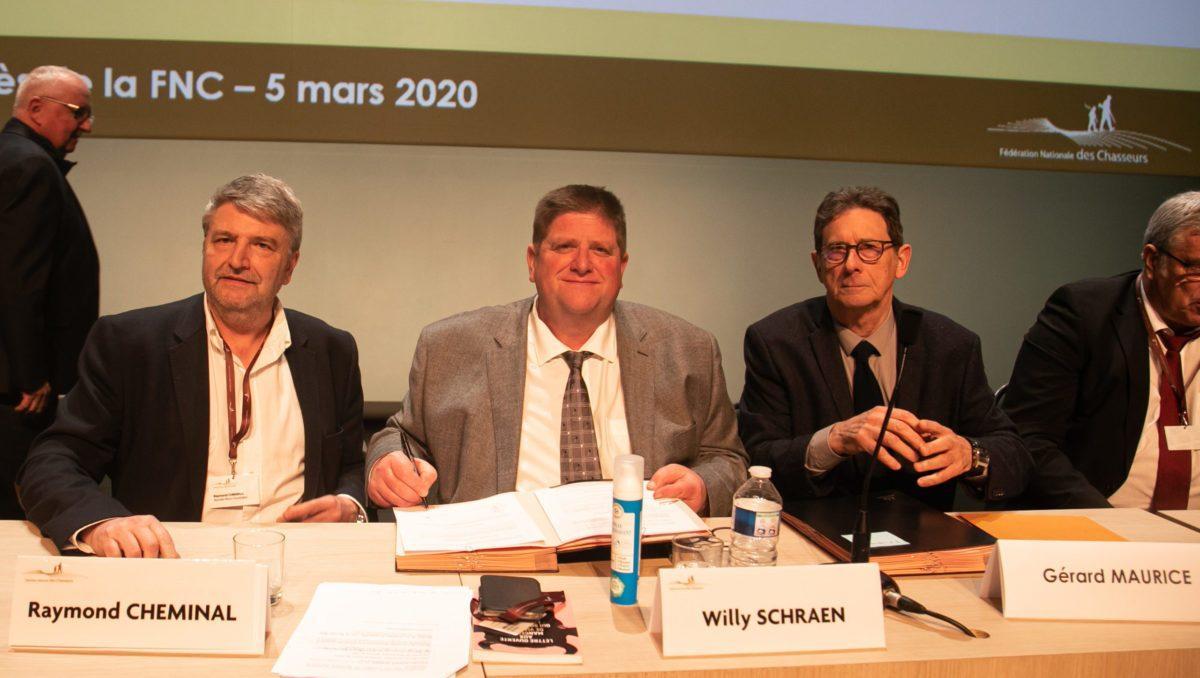 Willy Schrane signe la convention
