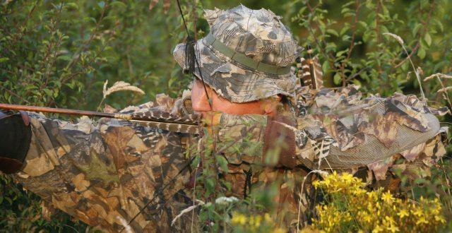 chasse à l'arc chasseur forêt
